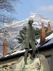 Chambéry Statuerousseau.jpg