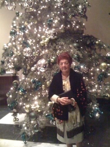 london Christmas 2009 mum.jpg