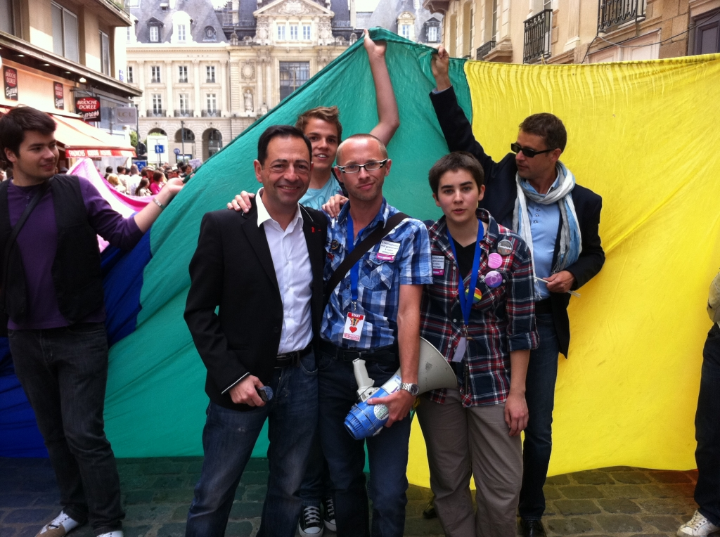 rencontre gay paris 18 à Rennes