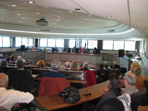 Ajaccio public tribune 28 mars 2009 023.jpg